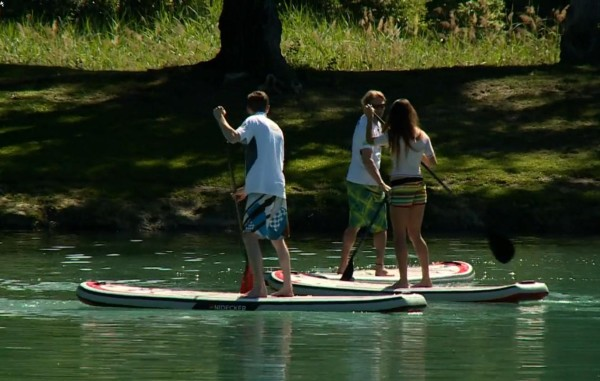 Un centre de stand-up paddle